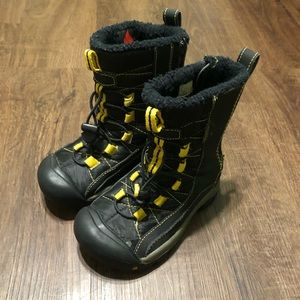 Keen snow boots boys Size 12